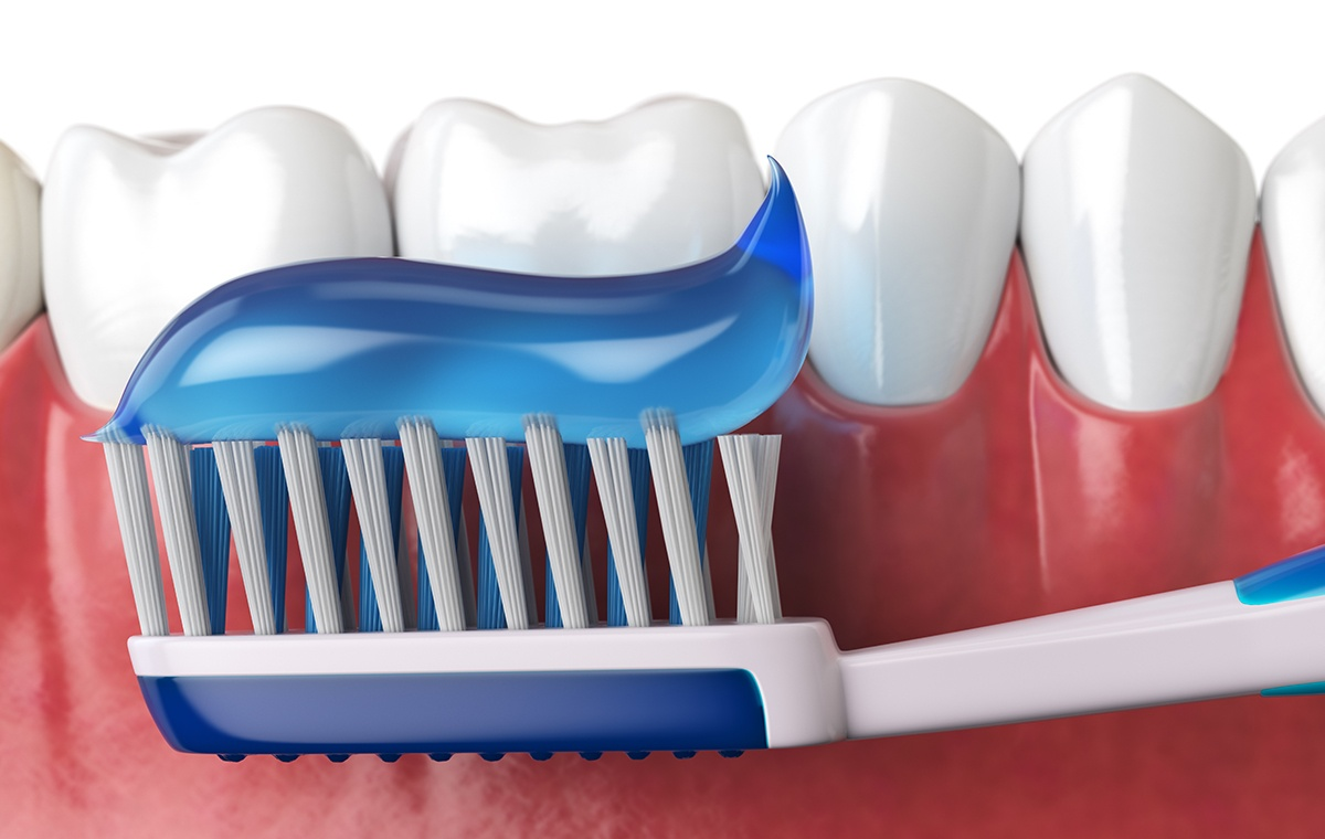 5 Ways to Keep Your Teeth From Staining